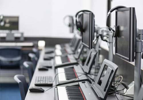 haberdashers-aske's-boys-school-headphones